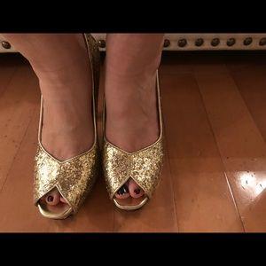 Nine West Shoes - Nine West Gold glitter heels size 7